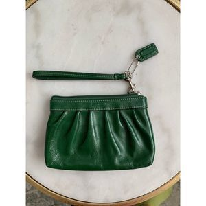 EUC Coach Wristlet Ruched Leather Pouch Green